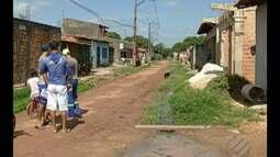 Moradores do bairro Icuí, em Ananindeua, reclamam das condições da rua Carlos Santos