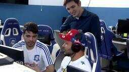 jogadores da CNB jogam League of Legends com pilotos da Stock e andam de kart