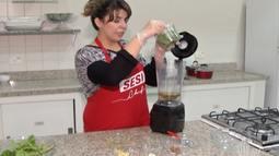 Nutricionista de Mogi ensina como montar salada no pote