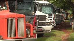 Cerca de três mil caminhões estão parados na fronteira aguardando a liberação da aduana
