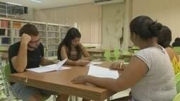 Estudantes organizam planejamento para se prepararem para concursos públicos