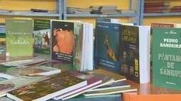 Projeto de leitura arrecada mais de 400 livros em escola de Macapá