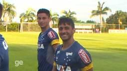 """Após golaço de falta em jogo-treino, Robinho brinca: """"Vai ter um monte"""""""
