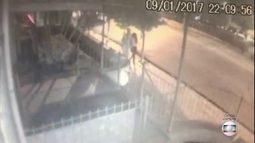 Homem é preso suspeito de cometer estupros; câmera flagrou quando ele ameaçou vítima