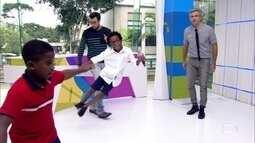 Cadu e Luan encerram o 'Vídeo Show' com muito samba no pé