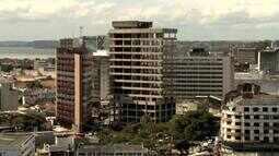 Edifício Palmares permanece abandonado no centro de Maceió