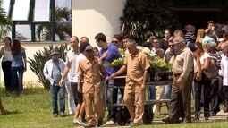 Corpo do ex-técnico da Seleção Carlos Alberto Silva é enterrado em Belo Horizonte