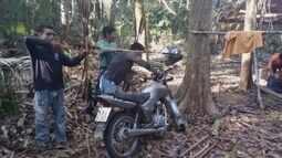 Índios expulsam homens que invadiram reserva ambiental