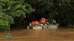 A cheia do rio Cuiabá provocou alagamento de comunidades ribeirinhas.