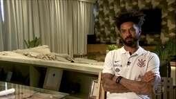 """Encostado no Corinthians, Cristian lamenta situação: """"Bobo eu não sou"""""""