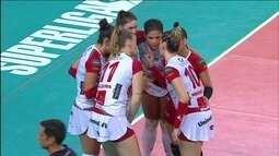 Melhores momentos de Bauru 3 x 1 Pinheiros pela Superliga feminina de vôlei