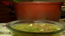 Produtora rural ensina receita de caldo verde do aipim processado e congelado, no ES