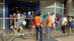 Busca por informações sobre o FGTS provoca fila nos bancos em Campo Grnade