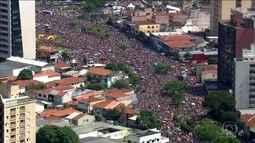 Mais de 100 blocos de carnaval levam multidão para as ruas de SP