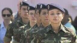 Primeira turma feminina começa estudos na Escola de Cadetes do Exército de Campinas
