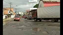 Em Ananindeua, motoristas reclamam do grande número de buracos na rodovia Transcoqueiro