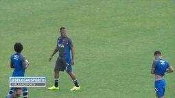 Torcedores recepcionam Luis Fabiano em treino aberto em São Januário