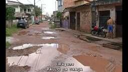 Moradores da passagem Benjamin, no bairro da Cabanagem, cobram o saneamento do local