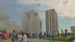 Quantidade de fumaça assustou moradores de prédios vizinhos de hipermercado em Americana