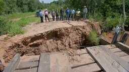 Produtores estão em prejuízo por causa da queda de cabeceira de uma ponte em Camapuã