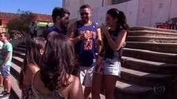 Turistas chegam a Olinda animados para curtir o carnaval