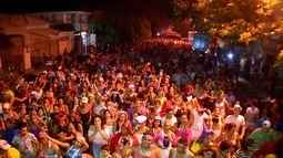 Tradicional bloco Cibalena anima sexta-feira de carnaval em Corumbá