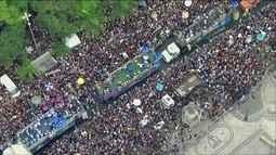 Blocos de rua do Rio atraem mais de um milhão de foliões