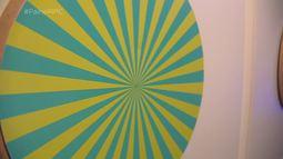 Exposição traz conhecimento pela luz e cores