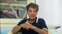 Ator Paulo Betti está em cartaz com peça em Goiânia