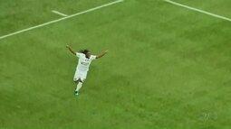 Cianorte cede empate com gol contra, mas continua em 2º no Paranaense