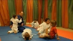 Sociólogo se muda para Jerusalém e dá aulas de jiu-jitsu para judeus e muçulmanos