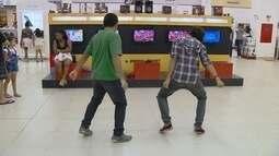 Competidores se preparam para competição de Just Dance no Games RAM