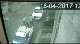 Câmera registra carro desgovernado atingindo pedestre em Campo Limpo Paulista