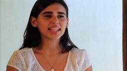 No Café com Tapioca, Rodrigo Vargas conversa com a cantora Bárbara Gomes