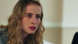 Bárbara recebe a notícia de que não é filha biológica de Ricardo