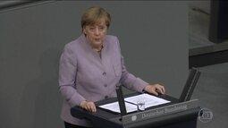 Angela Merkel faz discurso duro sobre negociações do Reino Unido para deixar UE