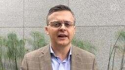 Psiquiatra Daniel Barros dá dica de como pais devem falar sobre suicídio com jovens