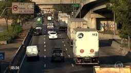 Prefeitura de SP restringe circulação de motociclistas na Marginal Tietê