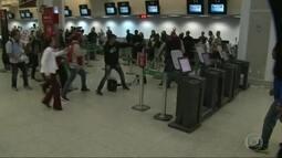 Aeroporto Santos Dumont tem protesto e briga no saguão