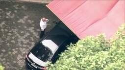 Eike Batista chega em sua mansão, na Zona Sul do Rio, para cumprir prisão domiciliar
