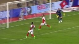 Germain tabela com Mbappé, mas perde um gol inacreditável, aos 29' do 2º tempo