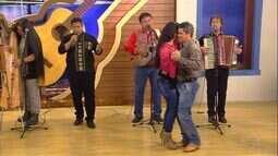"""Para os corações apaixonados, Irwing Ferreira canta """"Regalo de Amor"""""""