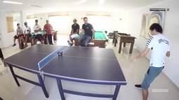 Universo Santástico - Desafio de tênis de mesa com Victor Ferraz