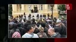 Assinante envia vídeo de manifestantes em frente à Câmara Municipal de Curitiba