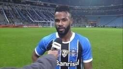 Fernandinho comenta lance do segundo gol do Grêmio