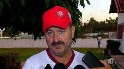 Técnico Leandro Campos faz mudança no time do América-RN para o jogo contra o Murici