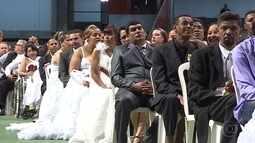 Noivos se unem em casamento comunitário em Belo Horizonte