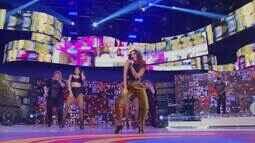 Anitta canta 'Paradinha'