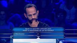 Felipe Oliveira leva R$ 15 mil no 'Quem Quer Ser Um Milionário?'