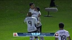 Corinthians arranca empate na Sul-Americana com um gol nos acréscimos